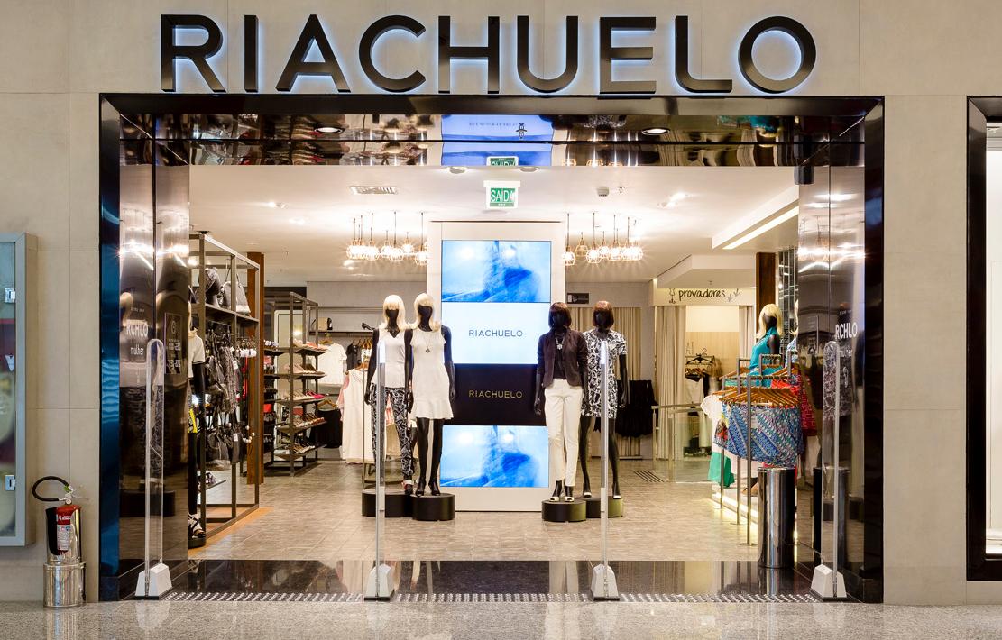 18712e180 Apesar de ser uma das últimas gigantes de moda a ter o pé no e-Commerce a  Riachuelo fez tudo de forma a contemplar todos os itens necessários